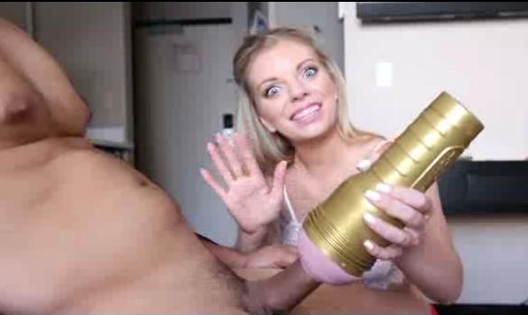 Irmã Detona Irmão no Sexo